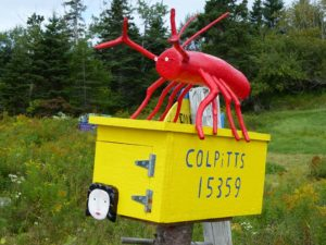 Briefkasten des Künstlers Barry Colpitts, Tangier, Nova Scotia